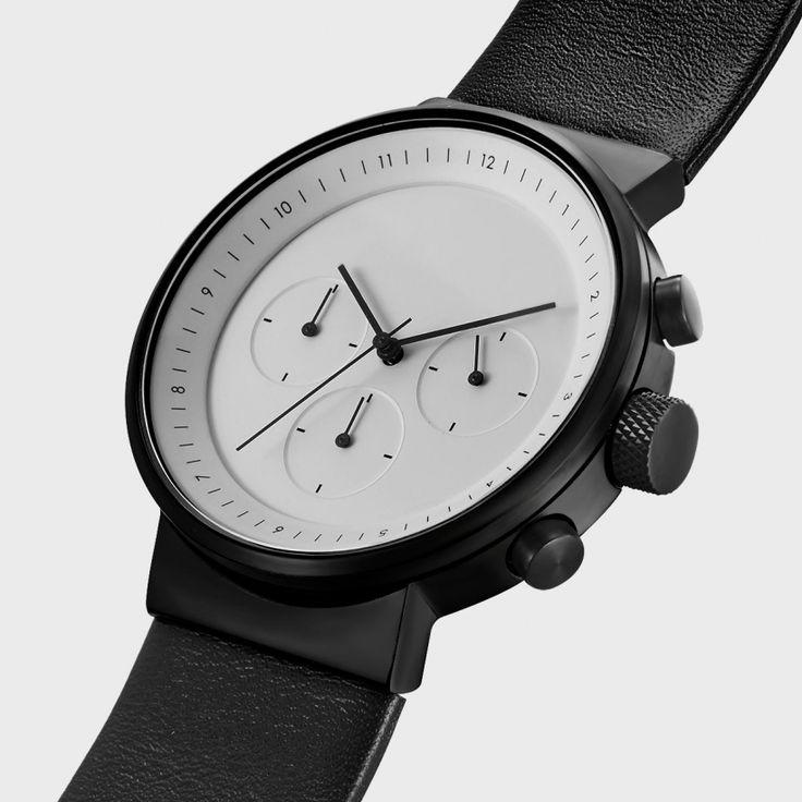 Kiura Watch — это стильные наручные часы с хронографом, разработанные итальянским промышленным дизайнером Алессио Романо (Alessio Romano) для Projects Watches.