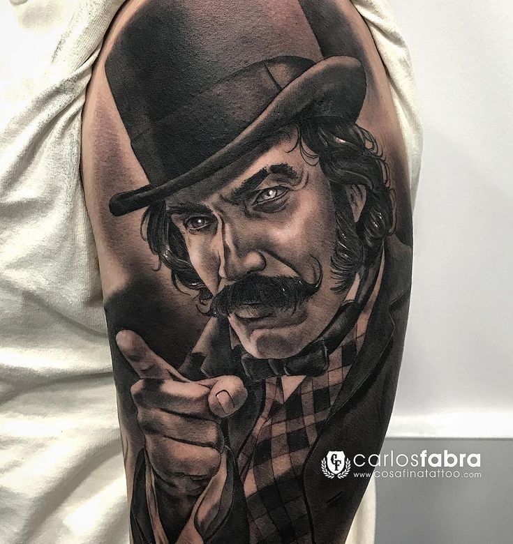 Bill the butcher/ Bill el carnicero. Gangs of New York  realizado en @carlosfabra_cosafina #tat #tattoos #bill #butcher #new #york #newyork #bnginksociety #thebestspaintattooartists #thebesttattooartists #cosafinatattoo #carlosfabra