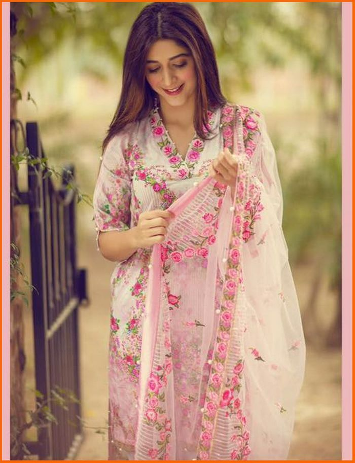 9a4e4c3caa The very beautiful and stunning actress of Pakistan Mawra Hocane is the  face of Noor By Saadia Asad Lawn 2017 Volume 1. Have a look!