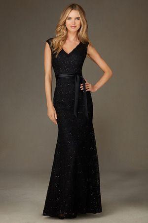 Robe demoiselle d' honneur droite en dentelle noir avec perles en col V