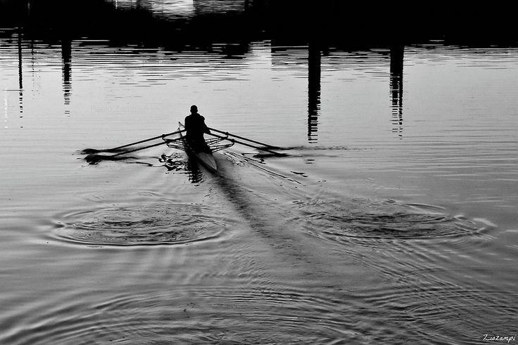.. tracciare cerchi sull'acqua .. (click__0800 F) | Flickr - Photo Sharing!