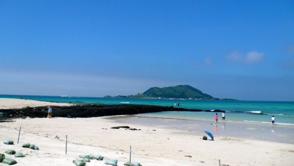 Hyeopjae Beach on Jeju Island has our vote for escaping the summer heat!