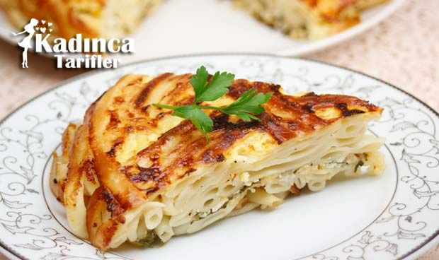 Tavada Makarna Böreği Tarifi nasıl yapılır? Tavada Makarna Böreği Tarifi'nin malzemeleri, resimli anlatımı ve yapılışı için tıklayın. Yazar: Sümeyra Temel