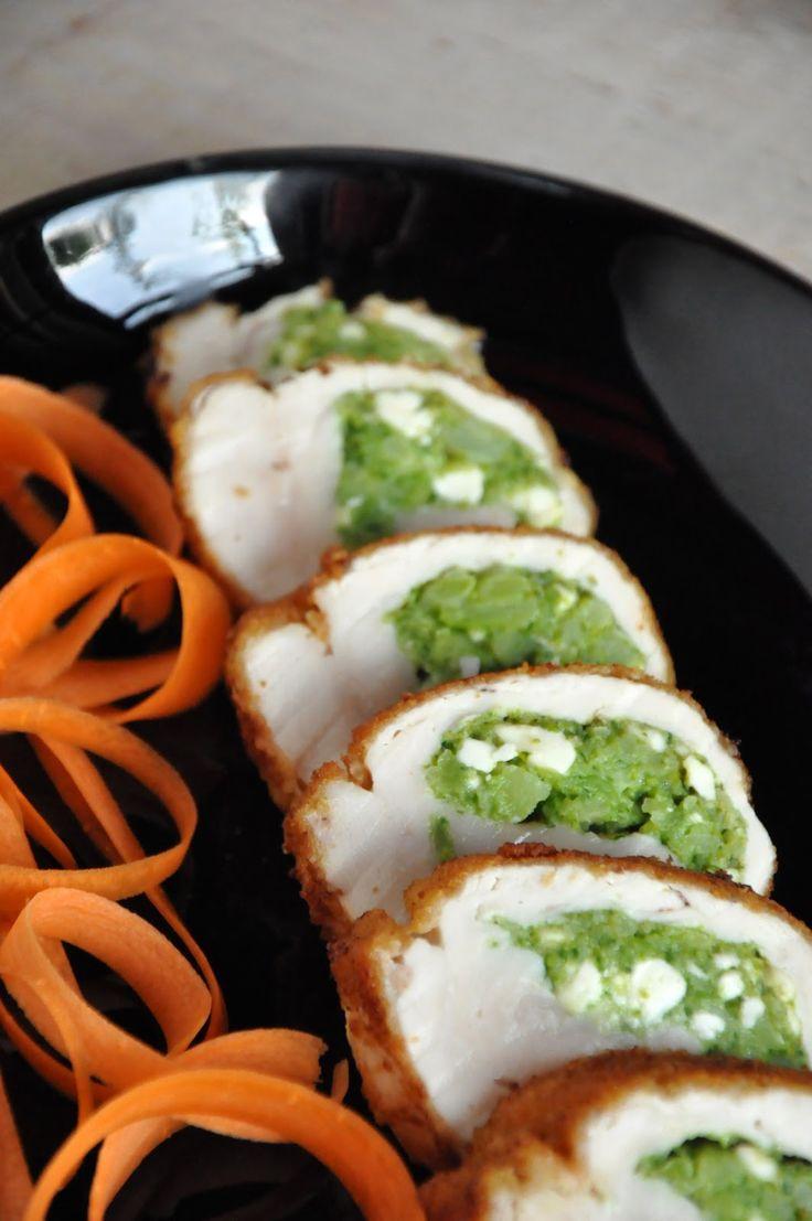 niebo na talerzu: Pierś z kurczaka faszerowana brokułami i kozim serem