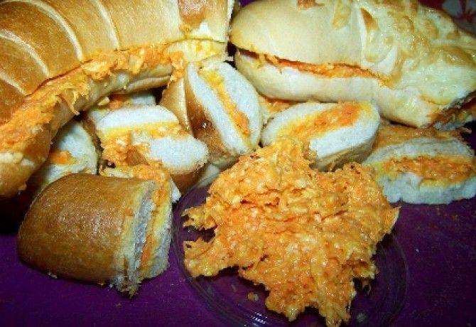 Sárgarépás szendvicskrém füstölt sajtosan recept képpel. Hozzávalók és az elkészítés részletes leírása. A sárgarépás szendvicskrém füstölt sajtosan elkészítési ideje: 20 perc