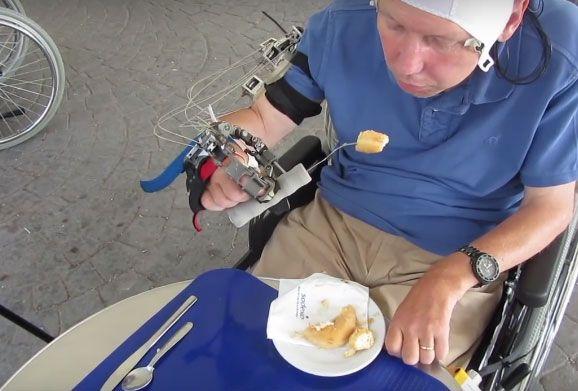 Brain Controlled Exoskeleton Hand Developed for quadriplegics