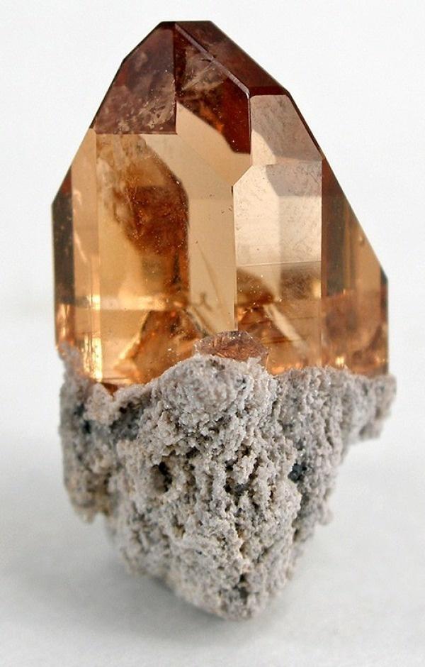 PIEDRA - Piedra SemiPreciosa: TOPACIO (Puede ser azul cielo o amarillento)