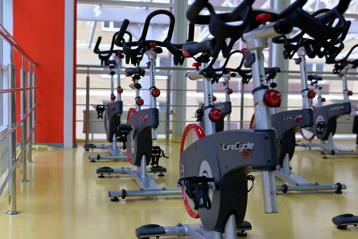 How To Stay Healthy And Fit Through Indoor Cycling