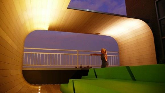 Proyecto Áreas Lounge, piezas modulables en asientos y chaiselongue realizados a medida por Quinze and Milan en espuma de poliuretano FoamQM, apto tanto para interior como para exterior. Mobiliario de diseño para oficinas, restauración, hoteles y contract. (Espacio Aretha agente exclusivo para España)