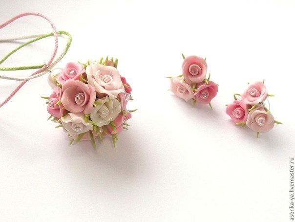 EEvegenieva gives a delightful tutorial on how to make these rose flower blossoms in polymer clay.