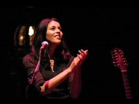 The Beautiful voice of Souad Massi and her ability to make non arab speakers fall in love with her songs in just amazing