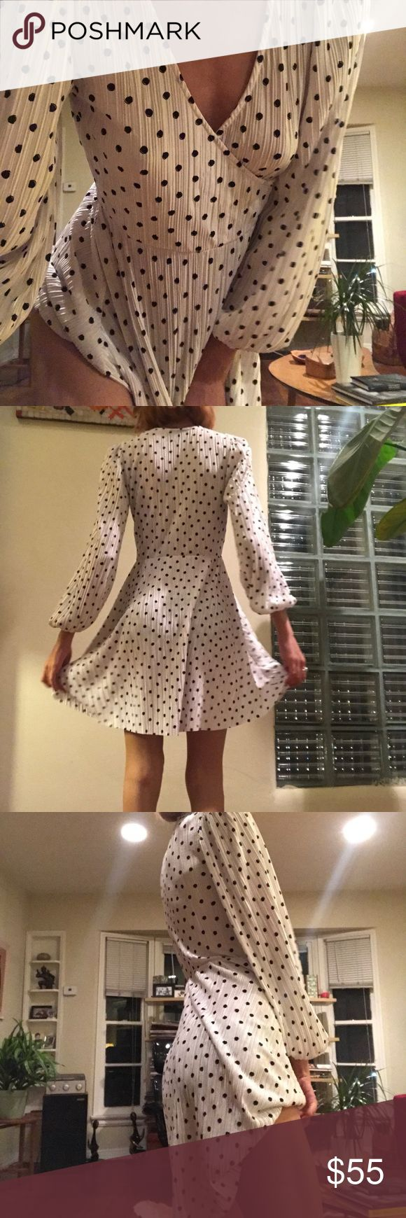 Topshop Polka Dot Chiffon Dress Bell sleeves Polka dot print Excellent material Cinched at the waist  #cinched #blouse #bellsleeves #topshop #topshopunique #polkadot #print #printdress #printeddress #chiffon #sale #rare #instagram #cute #reformation #poshmarksale #ebayer #goodwill #goodwillbins #goodwillfinds #goodwilloutlet #lifeofareseller #bargains #new #gentlyused #preowned #vintagej #shopmycloset #women #womensfashion #jcrew #ridiculous #youtube #giveaways #linkinbio #bohochic #boholook…