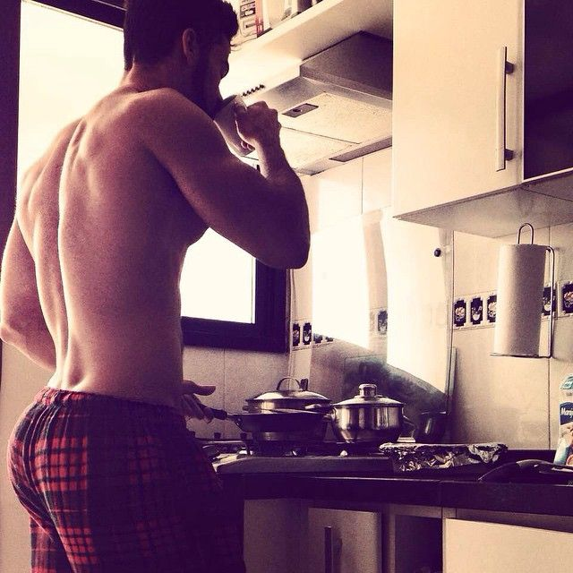 All I want for Christmas is a cook with a nice butt... please and thank you.
