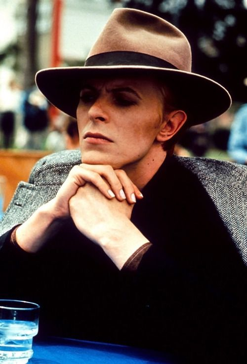 Bowie - one of my earliest crushes in lifeHats, Music, Fell, Davidbowie, Fashion Design, Earth, David Bowie, People, Man