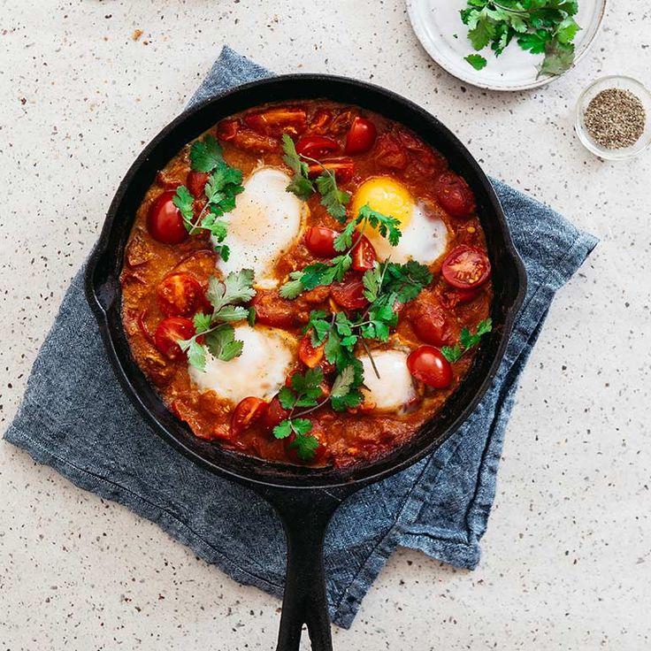'Dit bijzonder smaakvolle gerecht schijnt oorspronkelijk uit Tunesië te komen, maar kent inmiddels allerlei varianten in meerdere landen,'vertelt Jamie magazine's hoofdredacteur Suzanne Pronk. 'Het is een van mijn favoriete...