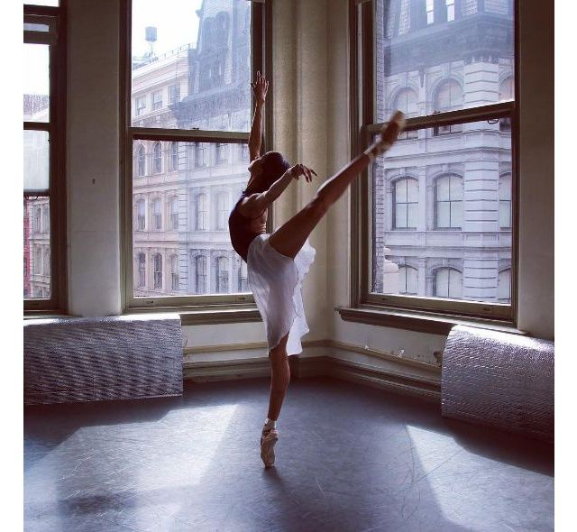 Between training sessions and rehearsals, Courtney Levine, a dancer with the American Ballet Theatre in New York, updates her 26,900 Instagram followers with candid snaps of the life of a classical ballerina. With costume details, backstage snaps and nifty gifs and videos, Courtney can certainly take a bow for this charming little account.