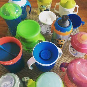 Verschiedene Trinklernbecher und Trinklernflaschen