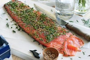 Гравлакс или маринованный лосось с укропом