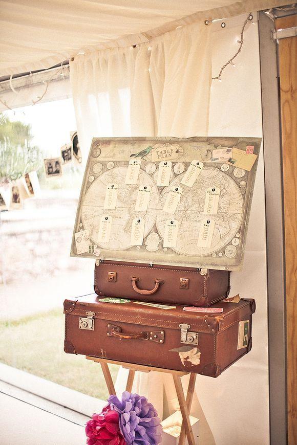 42  Adorable Vintage Suitcases Wedding Ideas | http://www.deerpearlflowers.com/42-adorable-vintage-suitcases-wedding-ideas/