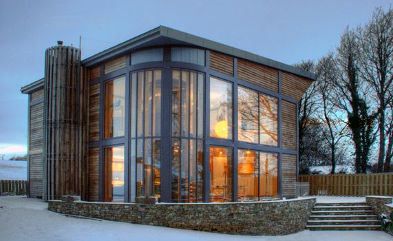 Adaptahaus alan dawson associates featured on grand for Minimalist house grand designs