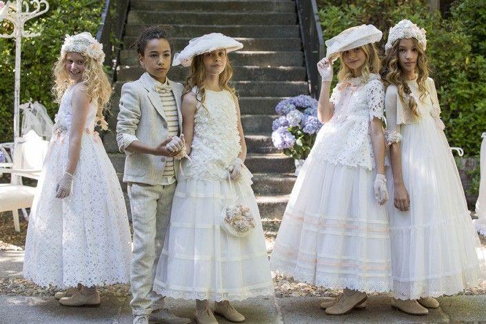 Los vestidos de madrina son unos de los que más se buscan debido a ser vestidos que se van a llevar en ocasiones especiales. Es por ello que los diseñadore