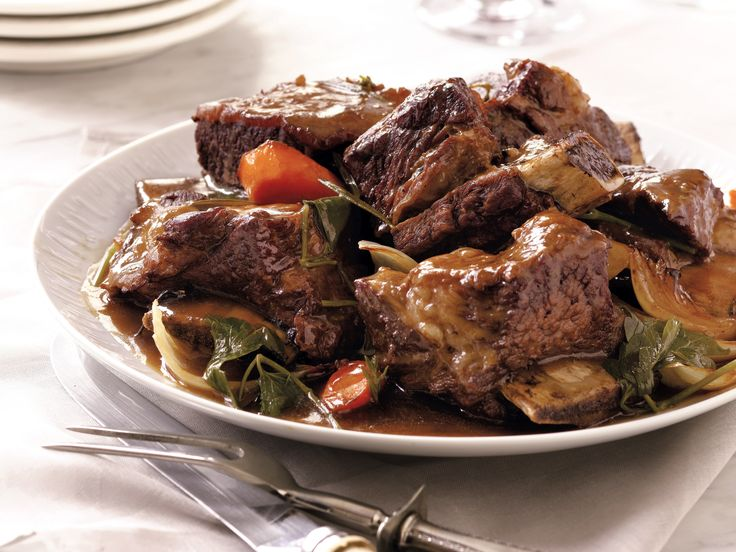 Slow Cooker Short Ribs recipe from Sandra Lee.  uhhhhhh my mouth is watering, soo want to make this:0
