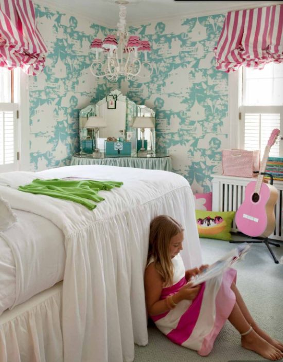 And oldie but goodie chandelier.Girlsroom, Little Girls Room, Girls Bedrooms, Kids Room, Girl Bedrooms, Stripes, Windows Treatments, Bedrooms Ideas, Girl Rooms