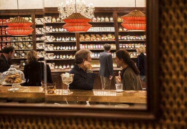 zàini negozio a milano ispirazione vintage, come unire illuminazione incandescente con sistemi fluorescenti e faretti led dimmerabili - MarieClaire. Realizzato da lecchi impianti elettrici - Bollate (MI)