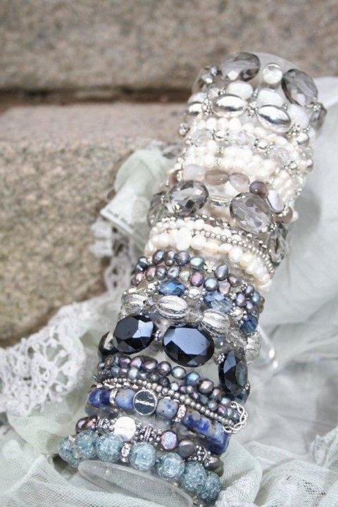 Våga bracelets