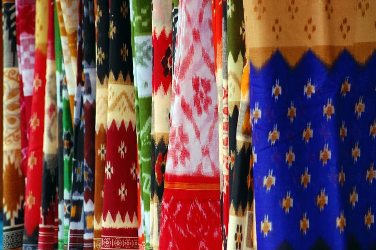 #MyWayOnHighway: Day 54, Gorgeous cotton #sarees in Cuttack Odisha #shopping #bridal
