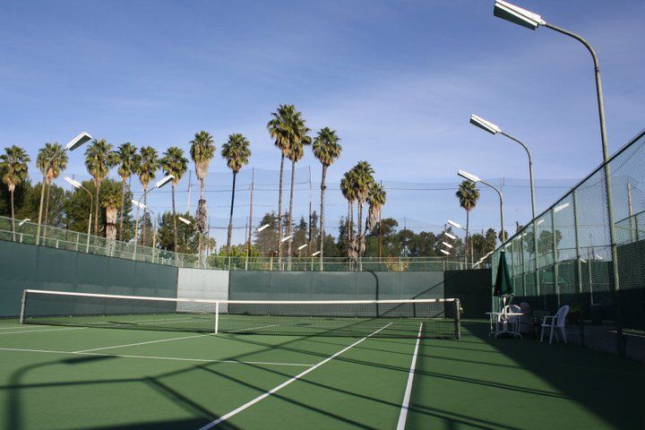 Weddington Tennis Courts in Studio City -- free drop in class 5-8pm every Sunday (taught by the Head racquet pro I meat at Demo Day)