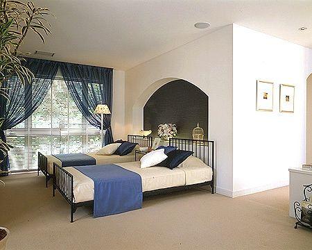 寝室 南欧 インテリア イメージ