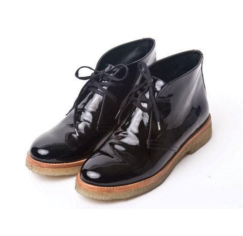 Botas cortas negras de charol $1190 de Las Pepas en Tienda Nube - Bota Helmut  Black leather boot