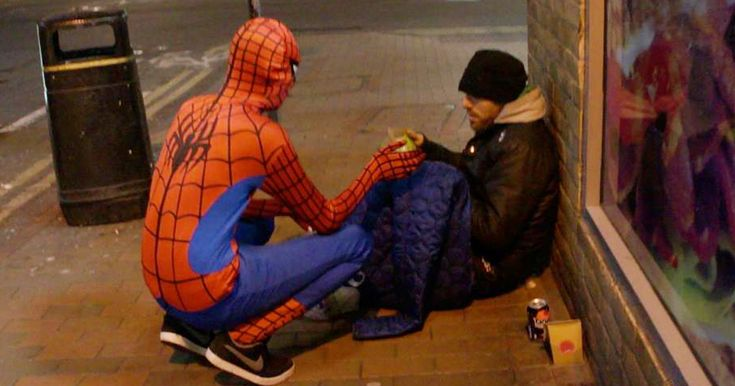 Anonymous Spiderman Feeds Homeless At Night, Shows Everyone Can Be A Hero | Bored Panda