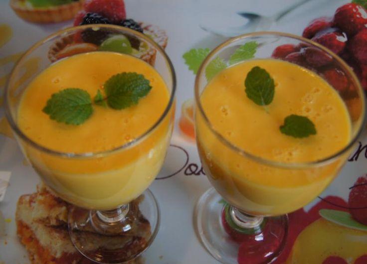 Das perfekte Mango-Bananen-Creme-Rezept mit Bild und einfacher Schritt-für-Schritt-Anleitung: Mango schälen, das Fruchtfleisch vom Kern lösen und grob…