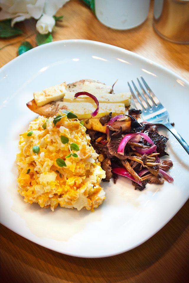 Kyckling i ugn med fetaost, svamp och krämigt mos