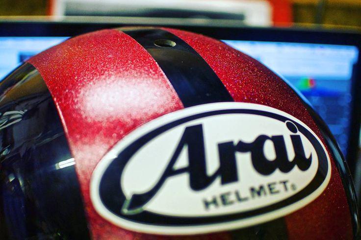 Ой чё буде-е-е-ет!  ___________________  7 (915)017 3007  WhatsUp Viber  Москва Борисовские пруды вл. 1а ГСК 235  #правильныймотоциклист #truerider  #custombike #custom #stocksucks #arai #helmet #tuning #flake #glitters #paint