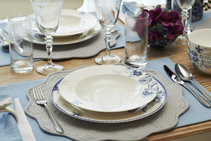 Vintage Blue yemek takımı / Vintage Blue dinnerware set #bernardo #porselen #bonechina #porcelain #vintageblue #yemektakimi #dinnerware #bernardo