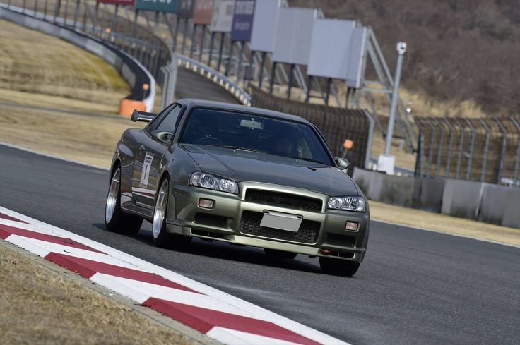NISSAN Skyline (R-34)GT-R Nür V-SpecⅡ 500units Limited & Limited Color!Millennium Jade  in Fuji International Speedway‼︎