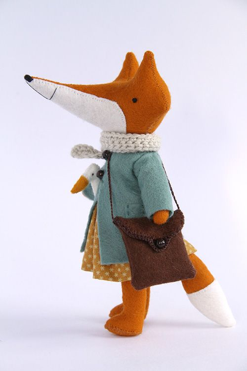 Totally awesome fox, found at manomine.bigcartel.com. The amount of detail finishing is just wonderful.
