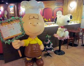 Charlie Brown Cafe, Snoopy Themed Restaurant - Hong Kong
