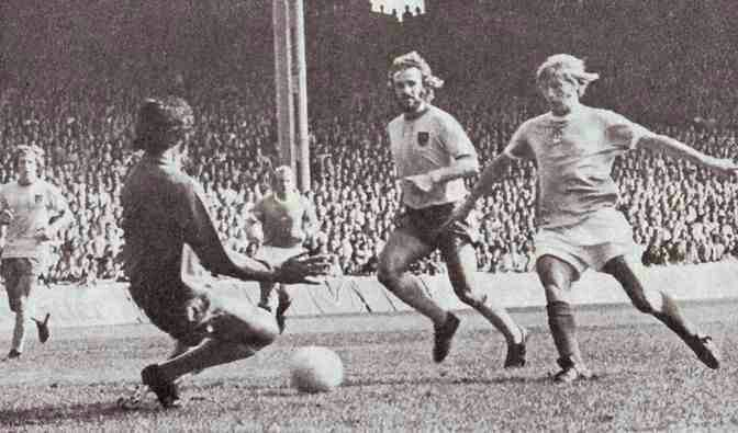 Man City 2 Norwich City 1 in Sept 1973 at Maine Road. Colin Bell slides the ball home for the winner #Div1