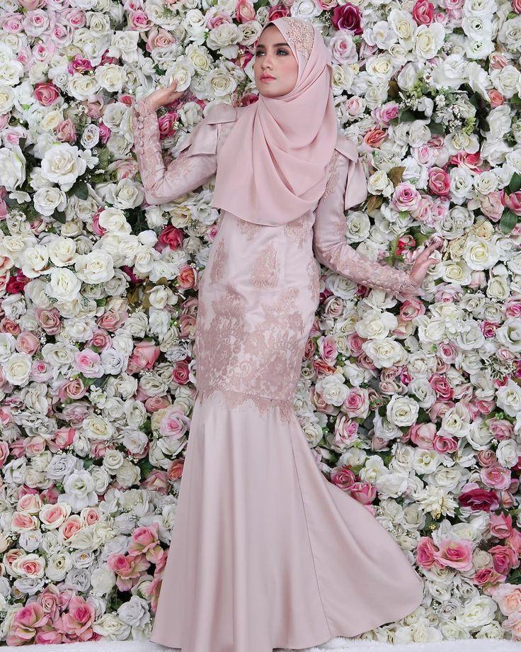 "222 Likes, 43 Comments - Aneesa Princess Dress Coming! (@hanabellagroup) on Instagram: ""Fenomena Aneesa Bow Kurung yang sold out setiap kali restock beratus pasang!!! Satin designer label…"""