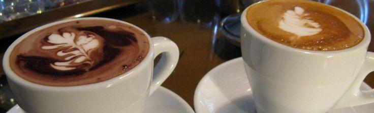 Zuivelvrije koffiemelk: ingrediënten: -3/4 kop kokosolie, organische (zacht, maar niet gesmolten) -1/2 kop ruwe honing (koop ik de mijne van een lokale bron) -1 theel. kaneelpoeder, organische -1 theel. puur vanille-extract -1 eetl. cacao poeder, organische (optioneel!)