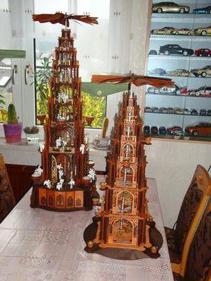 zwei gotische Pyramiden von DAMASU