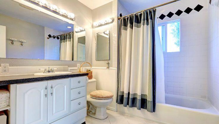 Εύκολο DIY: Κάντε την Κουρτίνα του Μπάνιου σας Ξεχωριστή
