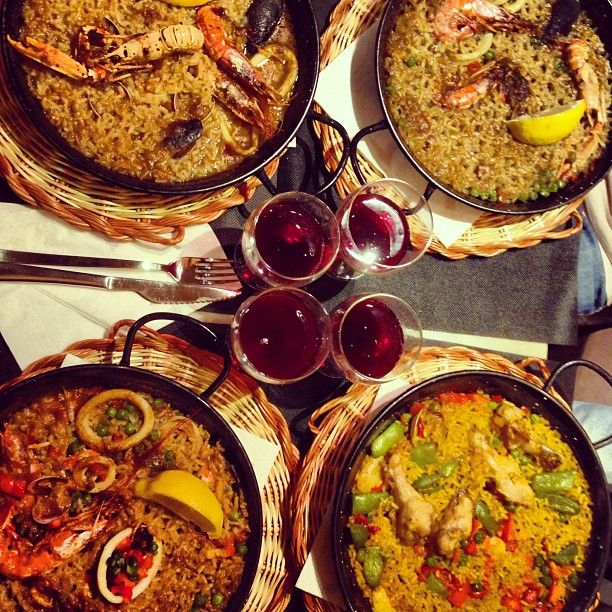 El Portalón is a Spanish Restaurant in Barcelona, Spain popular with Sports Fans, Jet Setters, Music Lovers