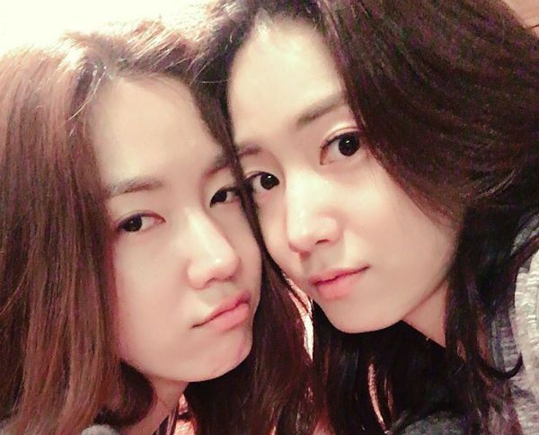 Ryu Hyoyoung And Ryu Hwayoung Together: Can You Recognize Who's Who? - http://www.morningledger.com/ryu-hyoyoung-ryu-hwayoung-together-can-recognize-whos/13123281/