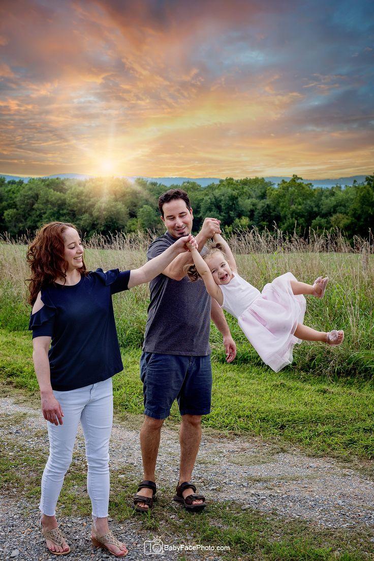 фото семьи на природе летом без лица взрослого растения цветки