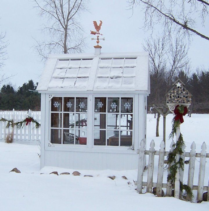 greenhouse of old windows: Garden Sheds, Outdoor Christmas Decorations, Gardens Greenhouses, Old Windows, Old Window Greenhouse, Winter Garden, Aprons, Calico Apron, Green House